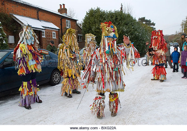 otterbourne-mummers-hampshire-uk-december-homer-sykes-bxg22a